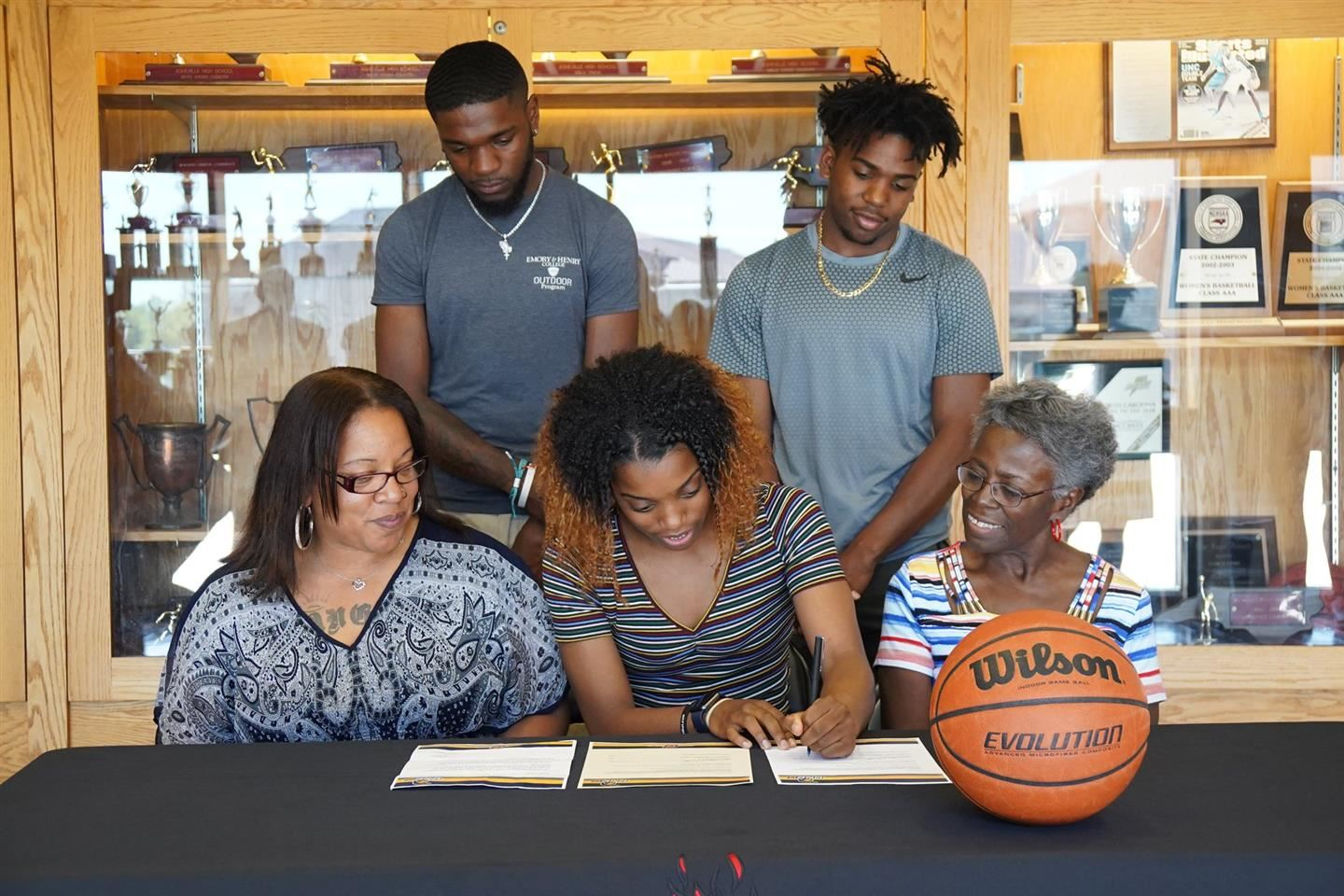 Amber Redmond Signs with UNCG